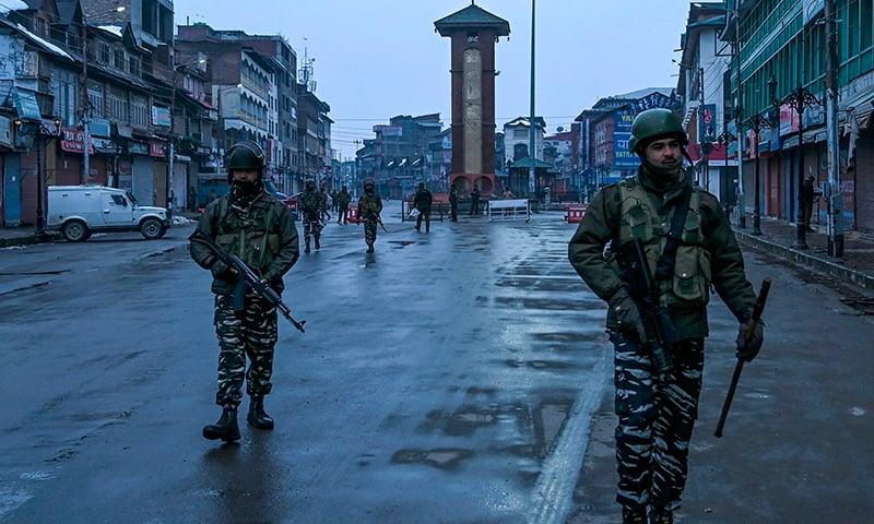 مقبوضہ کشمیر میں معمولات زندگی مفلوج ہوگئی—فوٹو: اے ایف پی