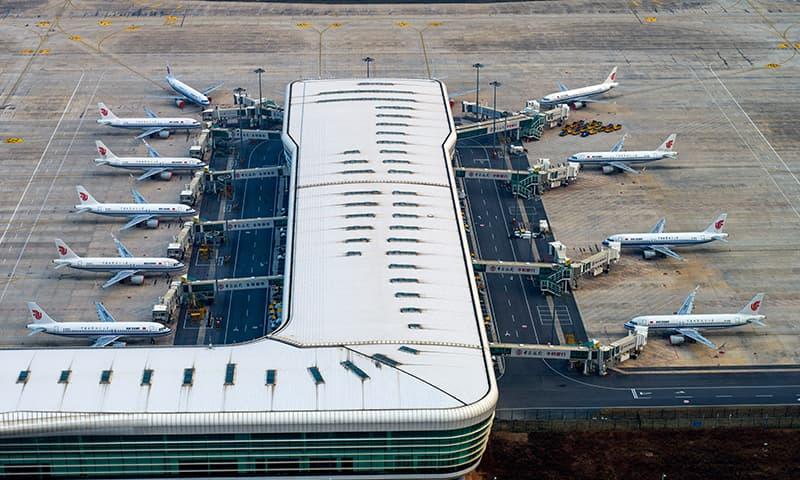 کورونا وائرس: ایئر لائنز  نے چین سے اپنی پروازیں معطل کردیں