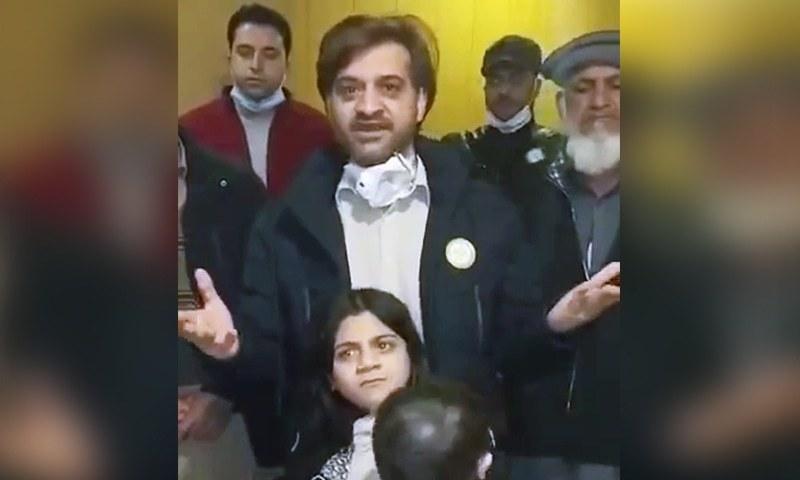 چین کے ایئرپورٹ میں پھنسے 150 پاکستانیوں کی حکومت سے اپیل