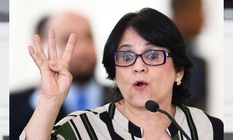 برازیل کی وزیر برائے خواتین، خاندان اور انسانی حقوق مہم چلانے میں پیش پیش ہیں—فوٹو: اے ایف پی