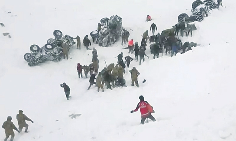 Turkey avalanche kills rescuers searching for survivors of previous avalanche