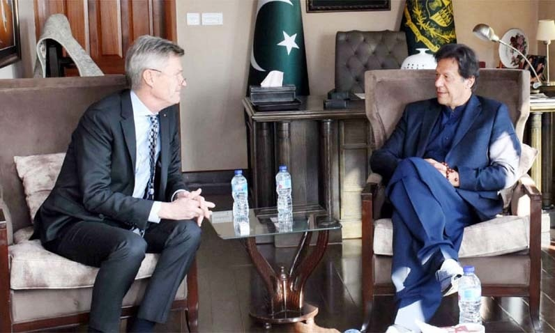 Prime Minister Imran Khan met a delegation of the Rotary International organisation which is also working for polio eradication.  — Photo courtesy Radio Pakistan