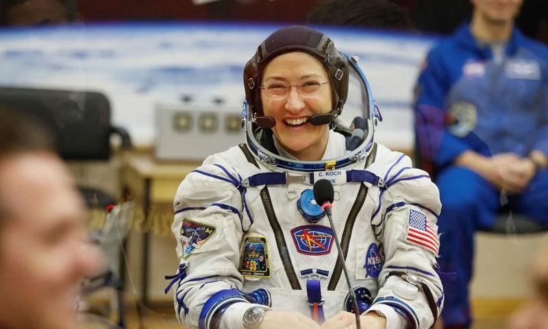 کرسٹینا کوچ کو خلا میں مسلسل سب سے زیادہ وقت تک رہنے کا اعزاز حاصل ہے — فوٹو: ناسا