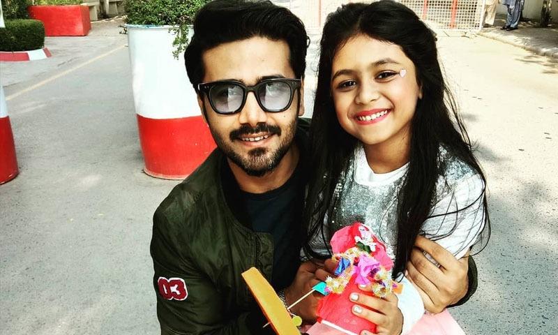بال عطیہ کرنے پر اداکار علی عباس کو بیٹی پر فخر