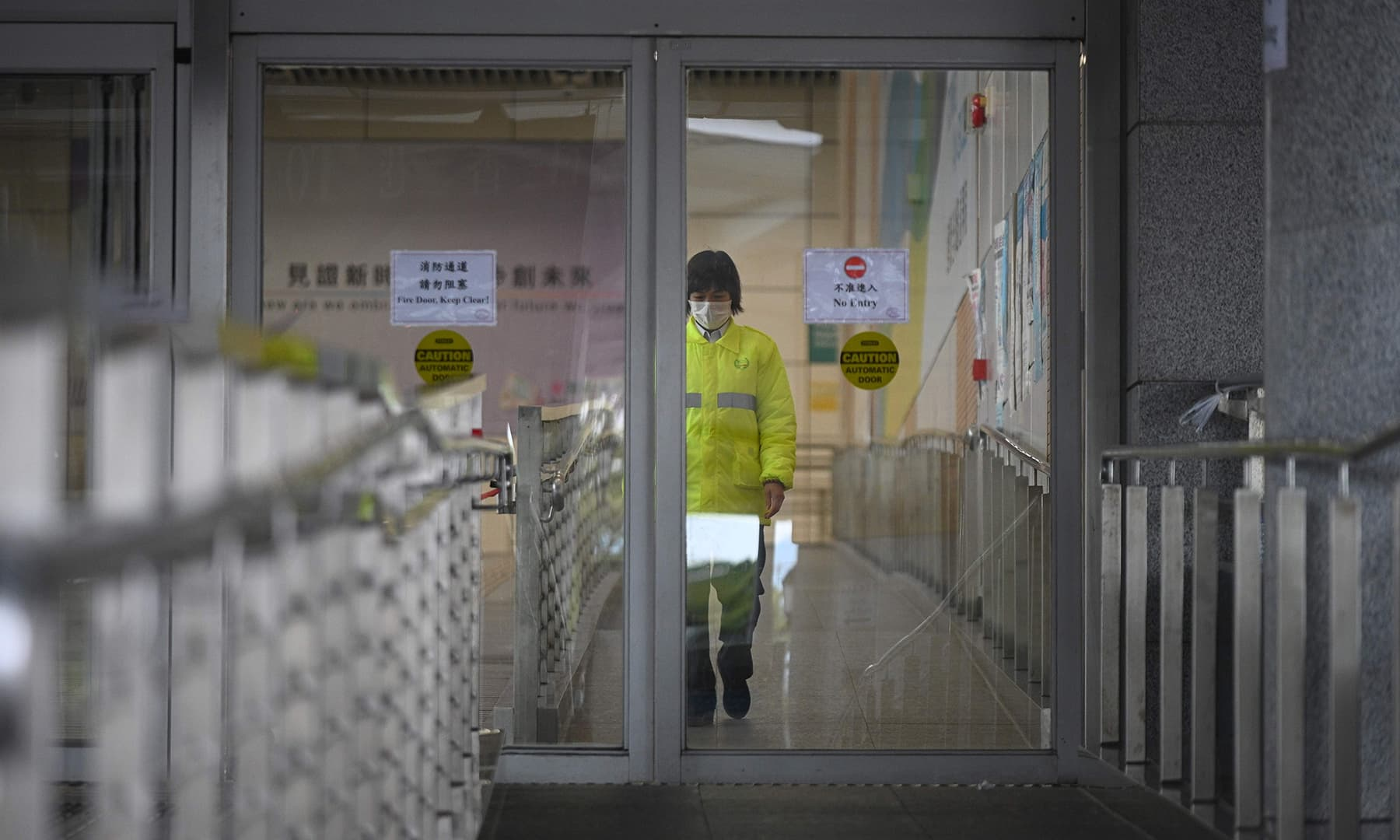 China coronavirus toll hits 722 with first foreign victim