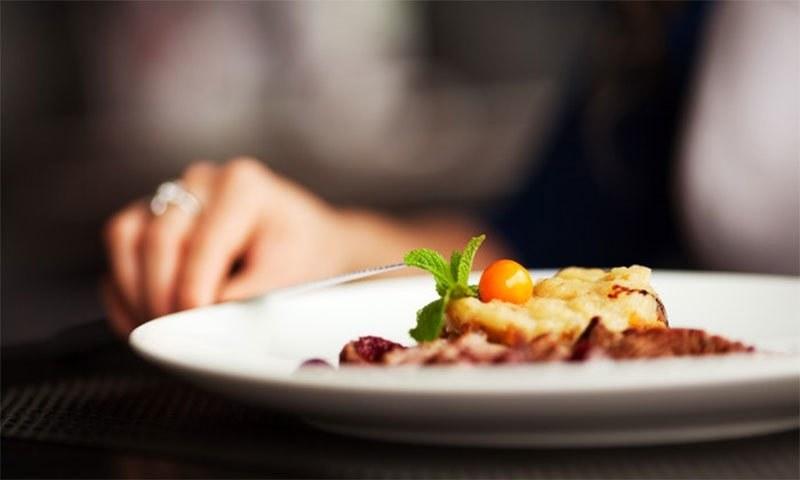 ہاتھ سے کھانا غذا کو زیادہ مزیدار بناتا ہے، تحقیق