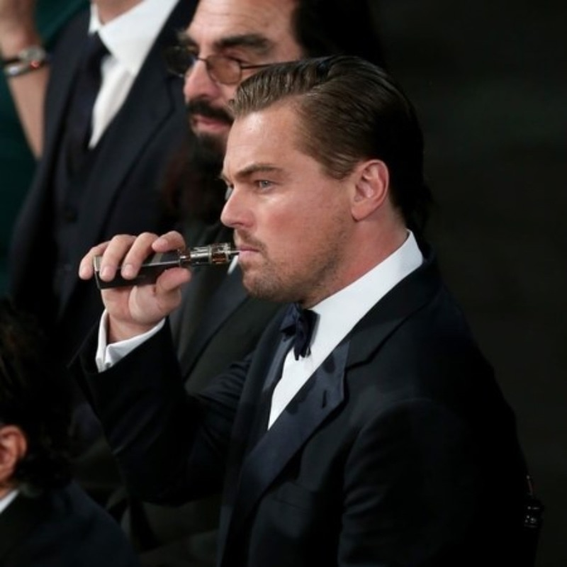 Leo at the Golden Globes giving Academy some major inspo.