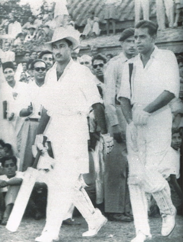 LAHORE: This 1955 file photo shows Waqar Hasan (left) and Imtiaz Ahmed coming out to resume their record seventh-wicket stand of 308 in the second Test against New Zealand at the Bagh-e-Jinnah.