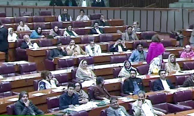PML-N parliamentary leader in the National Assembly Khawaja Asif criticised the government and its officials for failing to take any measures to tackle inflation. — DawnNewsTv