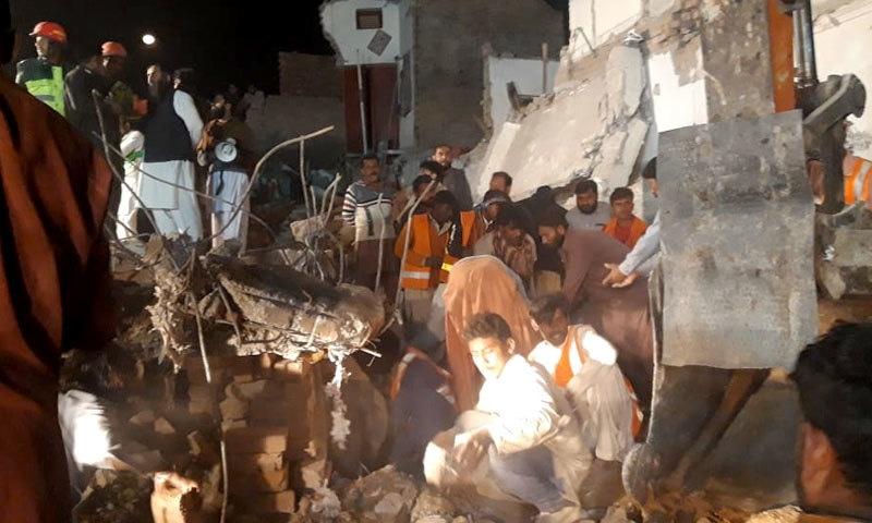 مظفر گڑھ: تین منزلہ عمارت گرنے سے 8 افراد جاں بحق