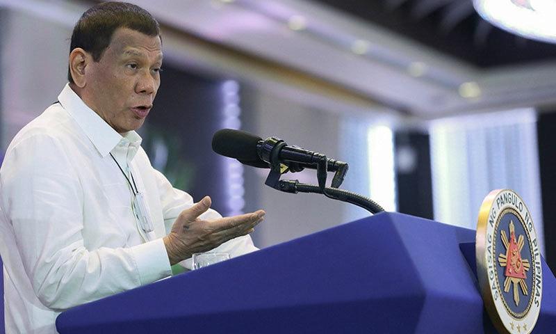 فلپائن کے صدر مسلسل خبردار کرتے رہے ہیں—فوٹو: اے پی
