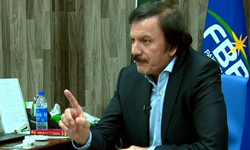 مسلم لیگ (ن) کے سابق سینیٹر کی وزیراعظم عمران خان کو معیشت پر بریفنگ