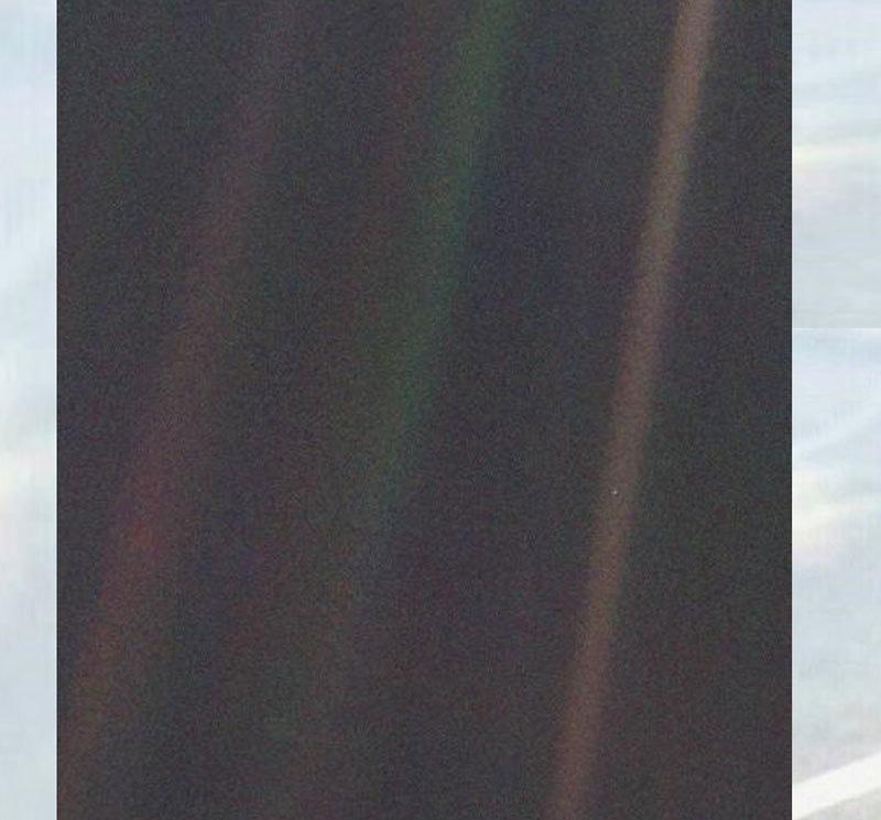 اتنی وسیع و عریض کائنات میں ہمارا سیارہ کاغذ پر پین سے بنائے گئے نقطے سے بھی چھوٹا ہے—فوٹو: ناسا
