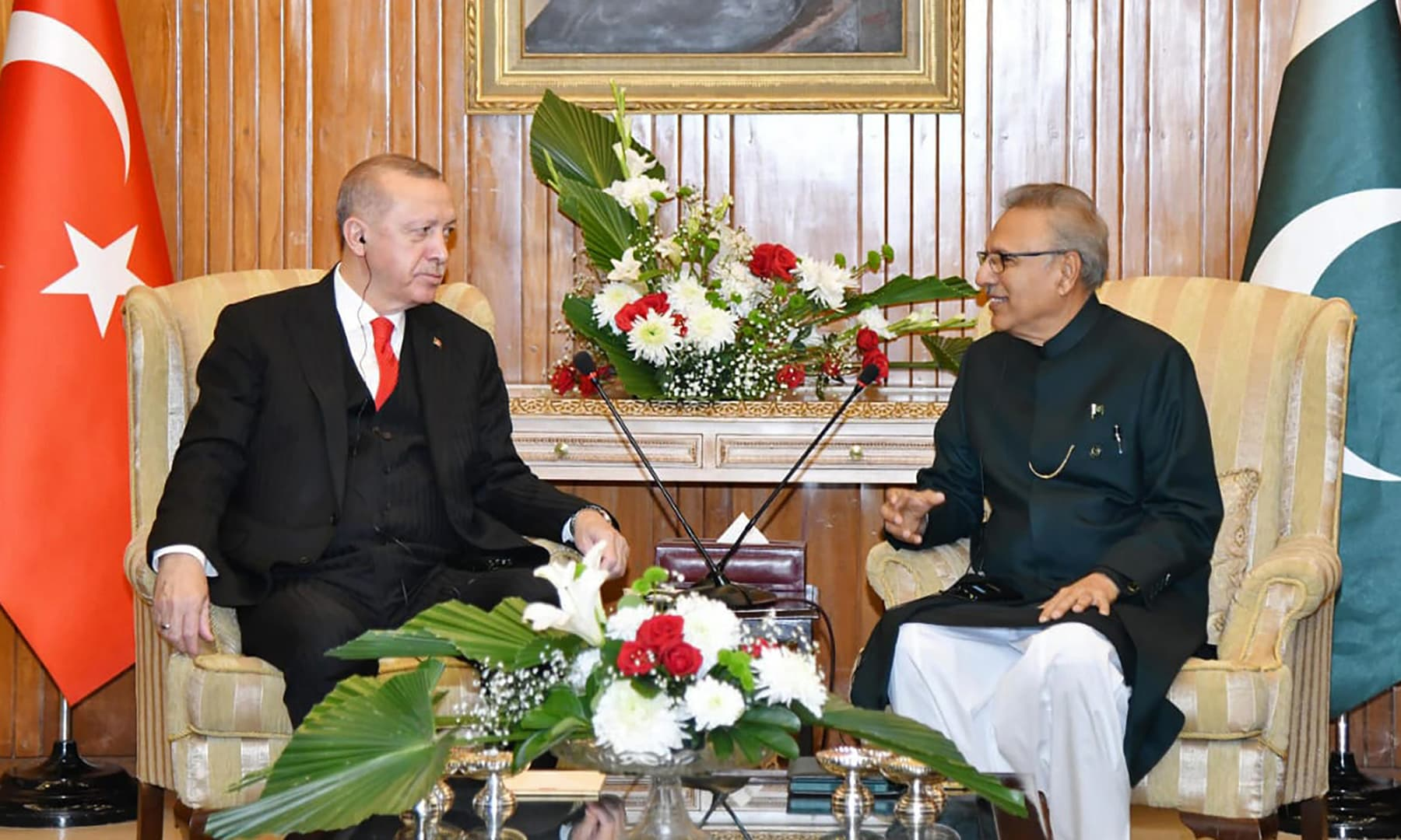 President Arif Alvi, right, meets visiting Turkish President Erdogan in Islamabad, Thursday. — PID via AP