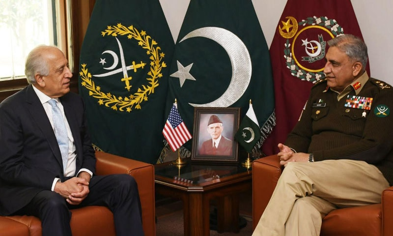 آرمی چیف جنرل قمر جاوید باجوہ اور زلمے خلیل زاد نے خطے کی سیکیورٹی پر بات کی — فوٹو: آئی ایس پی آر