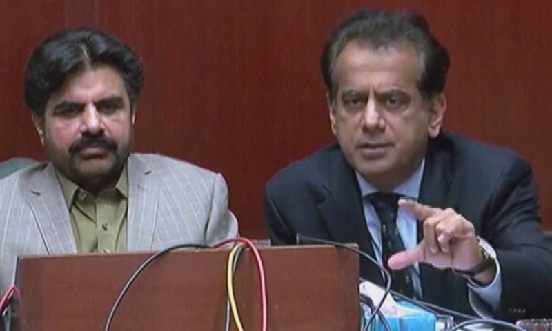 Sindh Minister for Local Government Syed Nasir Hussain Shah and Karachi Commissioner Iftikhar Shallwani address a press conference on Tuesday. — DawnNewsTV