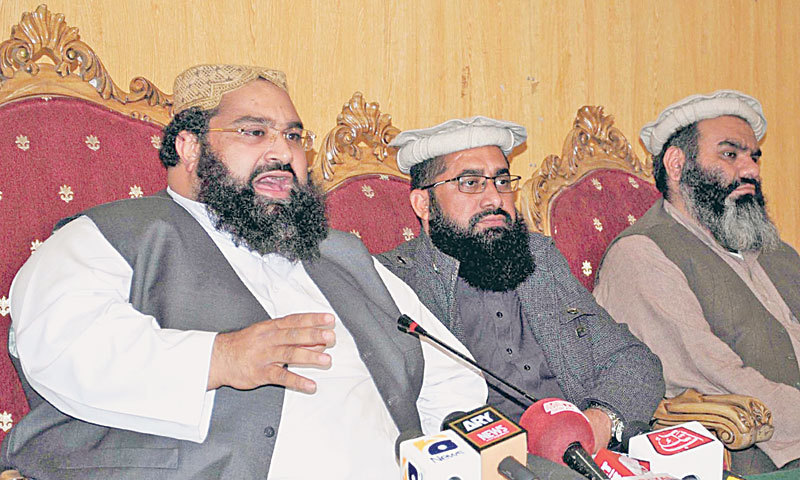 Addressing a press conference along with clerics and religious scholars here on Wednesday, Pakistan Ulema Council (PUC) chairman Hafiz Tahir Ashrafi (left) decried those who are opposing the anti-polio campaign and termed it a conspiracy against the country.  — INP/File