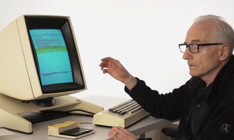 لیری ٹیسلر نے 'کٹ، کاپی، پیسٹ، فائینڈ اور ریپلیس' سمیت دیگر فیچرز متعارف کرائے—فوٹو: کمپیوٹر ہسٹری میوزیم