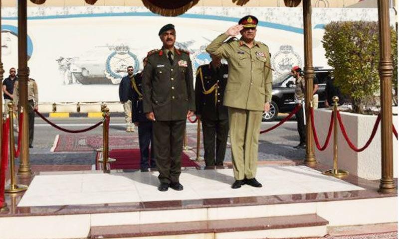 جنرل قمر جاوید باجوہ ایک روزہ سرکاری دورے پر کویت پہنج گئے — فوٹو: آئی ایس پی آر