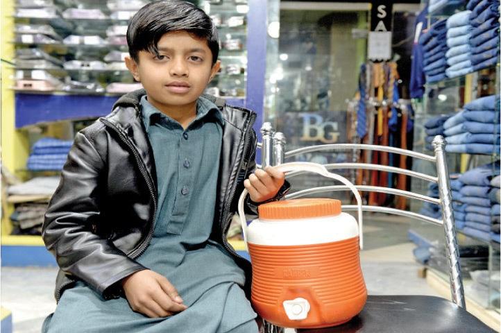Jehangir Abbas, 10, vendor