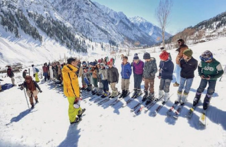 A trainer explains skiing skills to youngsters in Madak Lusht valley, Chitral. — File photo