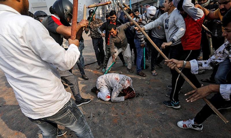 ٹرمپ کا دورہ بھارت: شہریت قانون کے خلاف احتجاج، پولیس اہلکار سمیت 4 ہلاک