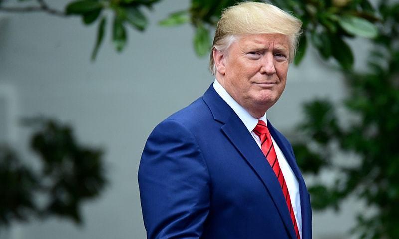 سینیٹر رضا ربانی کا کہنا ہے کہ اگر ٹرمپ نے کشمیر پر ثالثی کا کردار ادا کیا تو وہ بھارت کی طرفداری کریں گے — فائل فوٹو: رائٹرز