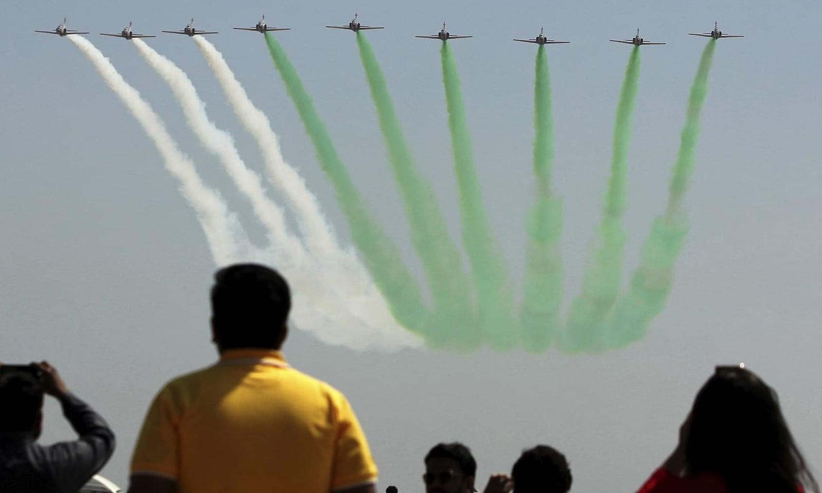 پاک فضائیہ کے بروقت ردعمل پر بھارتی طیارے بالاکوٹ کے قریب پے لوڈ گراتے ہوئے فرار ہوگئےتھے—فوٹو:اے پی