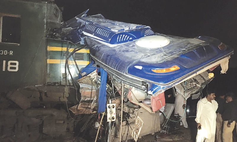 19 die as train slams into bus near Rohri