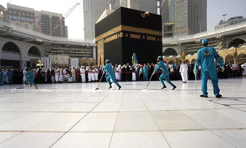 Saudi empties Makkah's Grand Mosque for 'sterilisation'