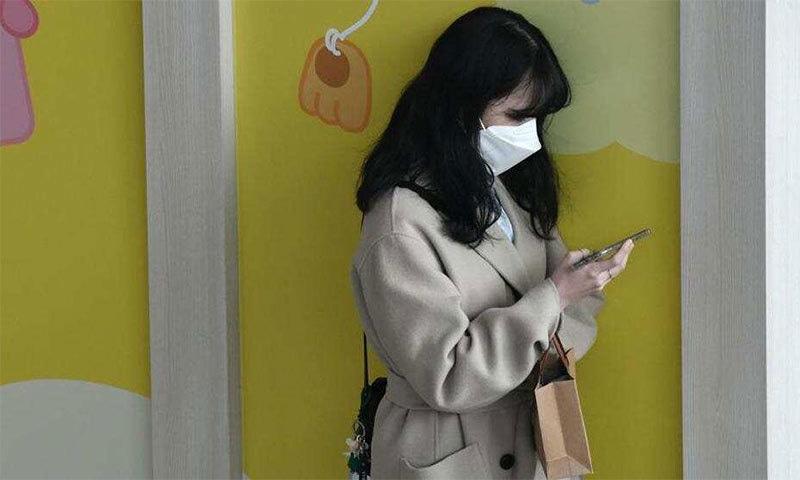 کورونا وائرس سے بچاؤ کے لیے اسمارٹ فون اور کی بورڈ کیسے صاف کریں؟