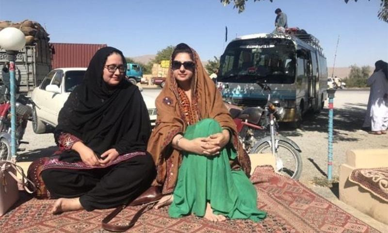Nilofar in Mastung, Balochistan at the famous Makkah Roadside Cafe with friend Zainab Kakar -Photos: Nilofer Afridi Qazi