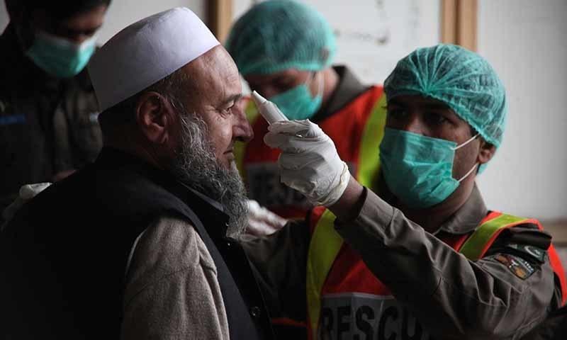 سندھ میں کورونا وائرس کا شکار مریضوں کی مجموعی تعداد 15 ہوگئی ہے — تصویر: اے پی