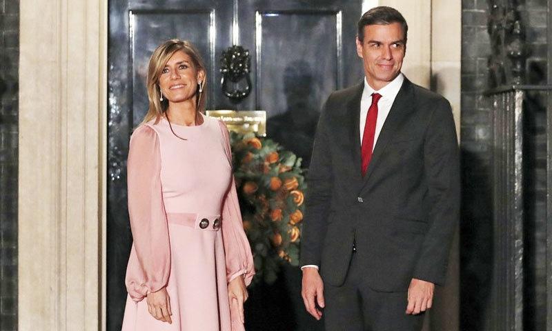 وزیر اعظم اور خاتون اول نے کچھ ایسے افراد سے ملاقاتیں کیں جو بعد میں کورونا وائرس کا شکار ہوئے، اسپین کی حکومت—فوٹو: اے پی