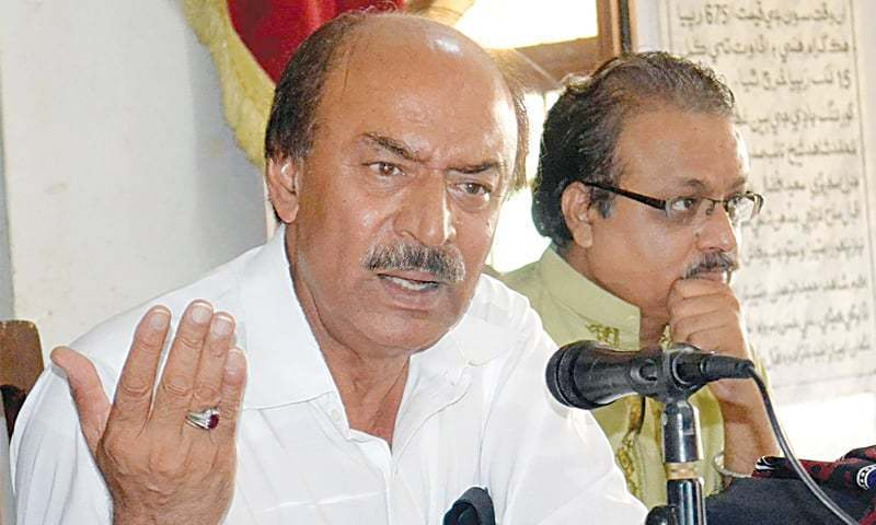 Lauds Sindh CM's efforts in combating virus. — Dawn/File