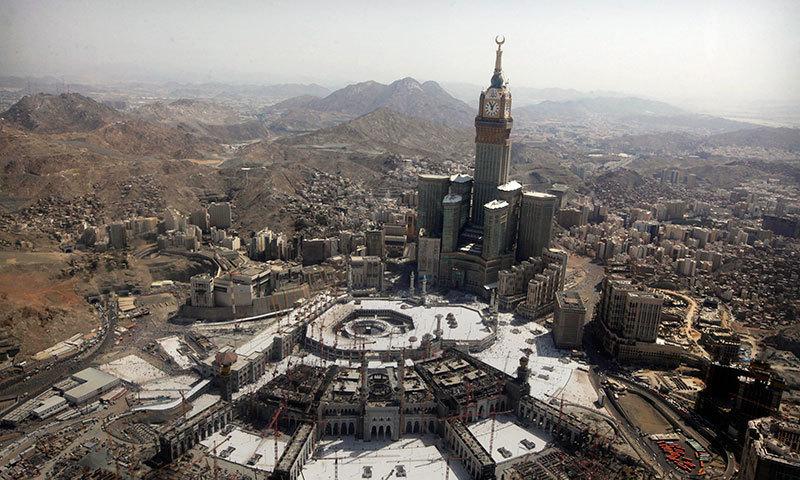 S. Arabia halts prayers in mosques over coronavirus