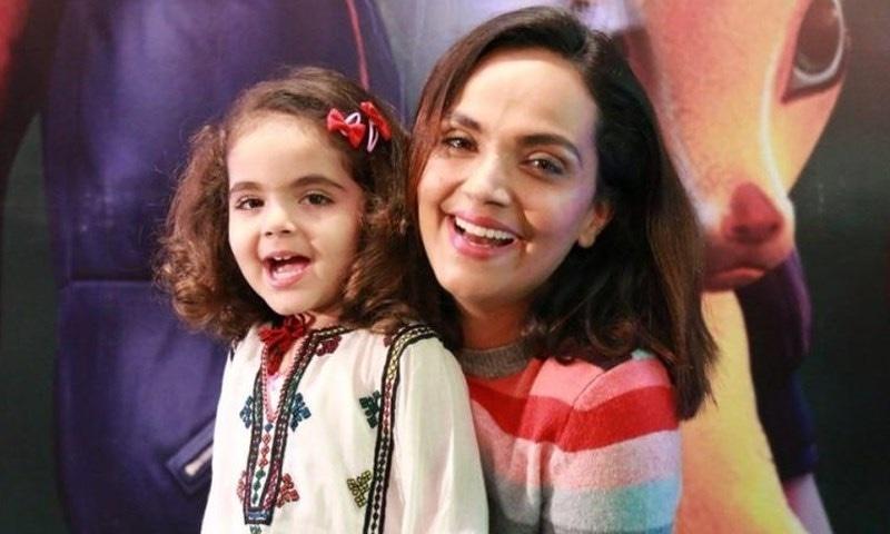 کورونا وائرس: آمنہ شیخ کا گھروں میں موجود بچوں کی تربیت سے متعلق مشورہ