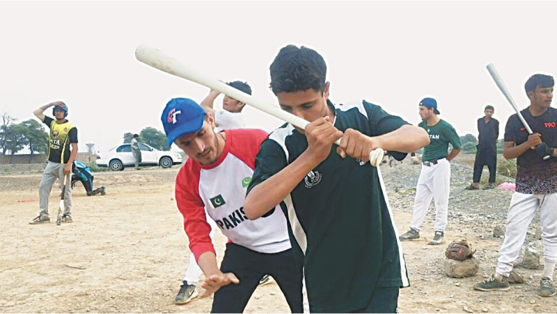 Tariq Hayat trains players at the academy | Photos by the writer