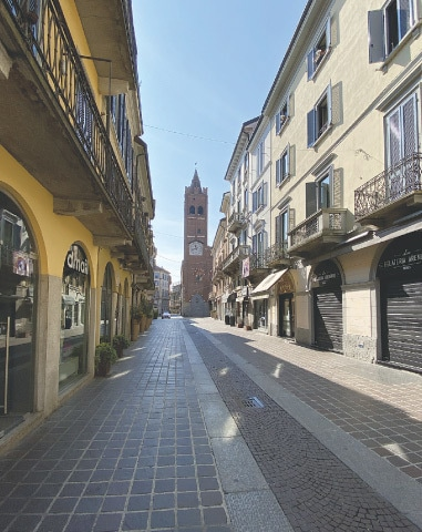 Monza town centre stands deserted under lockdown | Lello Piazza