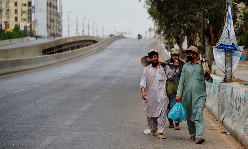 Deserted streets, silent markets: Pakistani cities go under coronavirus lockdown