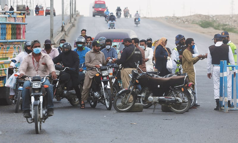 259 in Karachi, 148 in rest of Sindh held for violating lockdown
