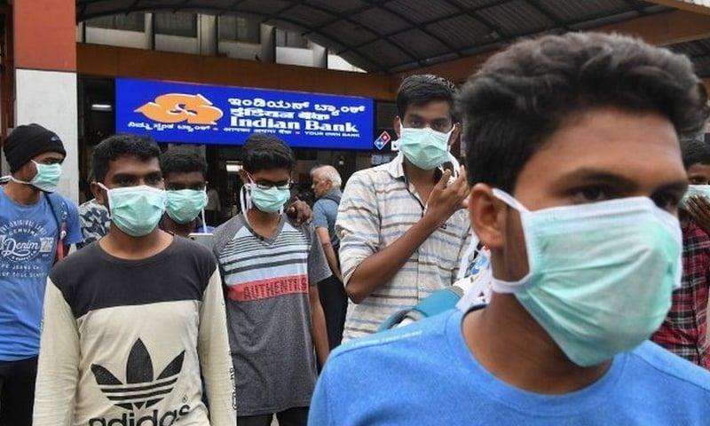 بھارت بھر میں اب تک وائرس سے کم از کم 600 سے زائد افراد متاثر اور 13افراد ہلاک ہو چکے ہیں— فائل فوٹو: اے ایف پی