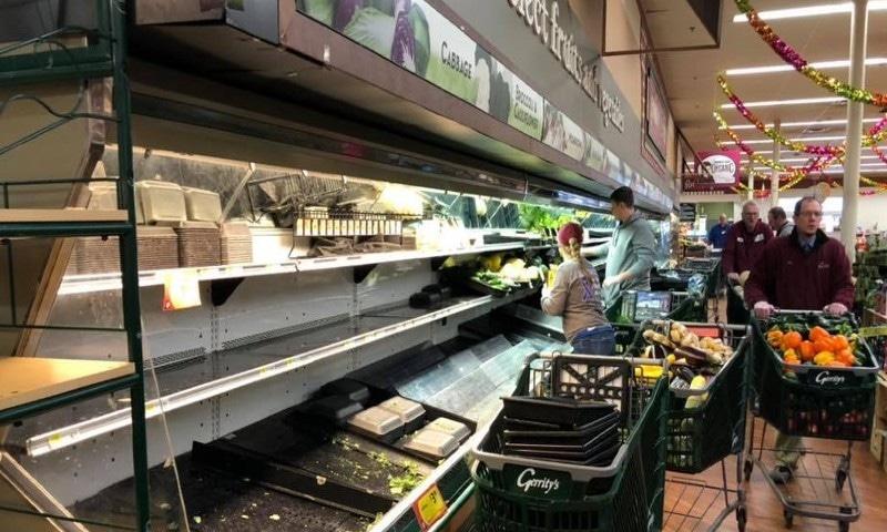 سپر مارکیٹ نے تمام غذائی چیزیں اسٹور سے باہر کردیں—فوٹو: گیرٹی سپر مارکیٹ فیس بک