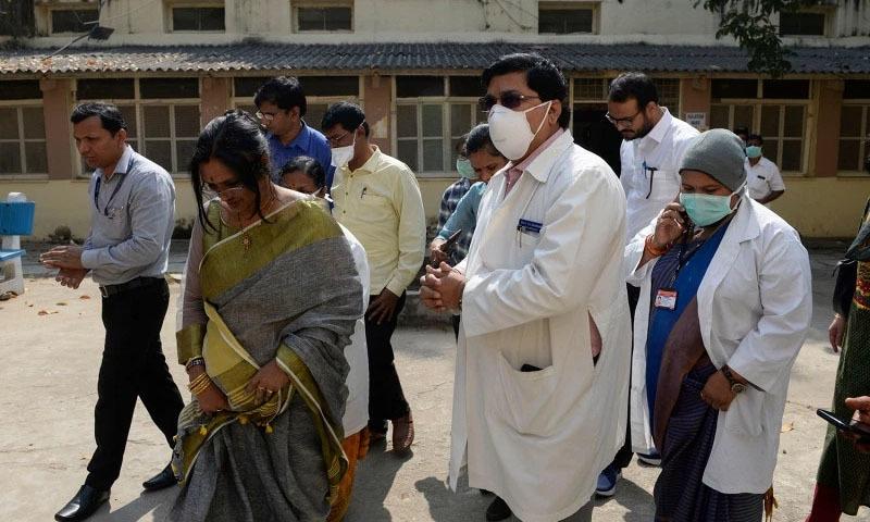 کورونا وائرس سے لڑنے والا بھارتی طبی عملہ مسائل سے دو چار