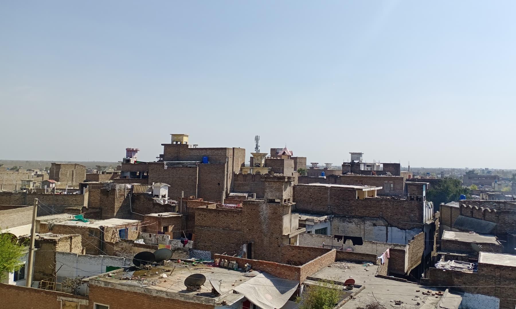 مہمند ایجنسی، باجوڑ اور افغانستاں کے قریب ہو نے کی وجہ سے شبقدر اہم تجارتی مرکز کی حیثیت بھی رکھتا ہے— عظمت اکبر