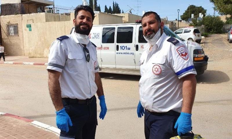 سوشل میڈیا پر یہودی و مسلمان رضاکار کی تعریفیں کی جا رہی ہیں—فوٹو: سی این این