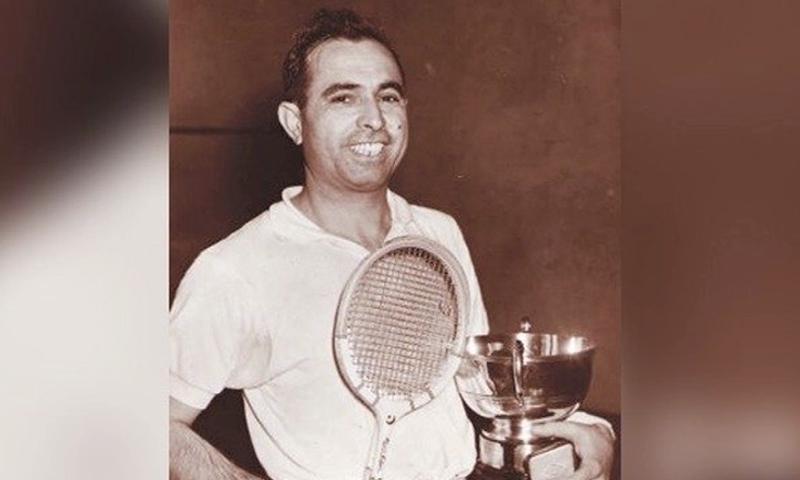 Azam Khan had won the British Open four times between 1959 and 1962. — DawnNewsTV