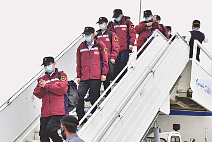 ISLAMABAD: A team of Chinese doctors arrives at the Islamabad International Airport on Saturday. The team will assist the Pakistan government in containing the spread of Covid-19.—White Star