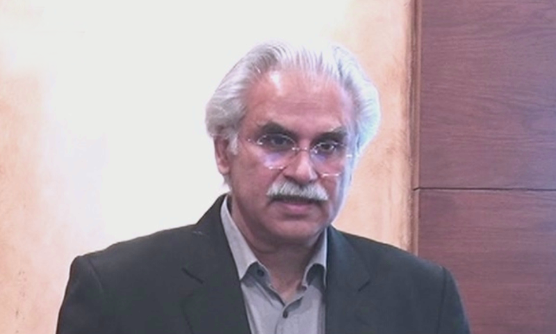Special Assistant to Prime Minister on Health Dr Zafar Mirza briefing a delegation of doctors from China. — DawnNewsTv