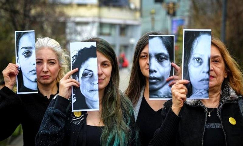 فرانس و جرمنی میں بھی گھریلو تشدد میں اضافہ دیکھا گیا—فوٹو: ڈینیئل مہیلسکو/ یورو نیوز